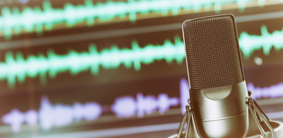 microphone digital advertising podcast